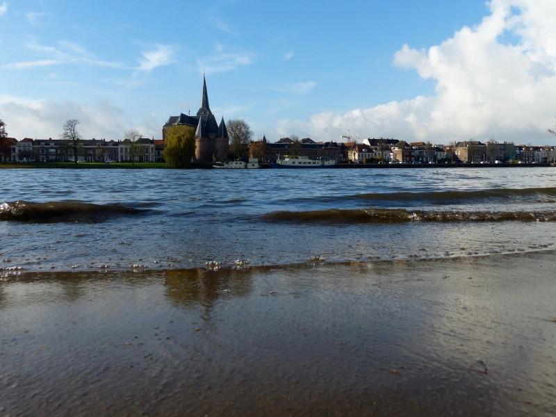 De IJssel bij Kampen. Lezersfoto: Jan van der Kolk