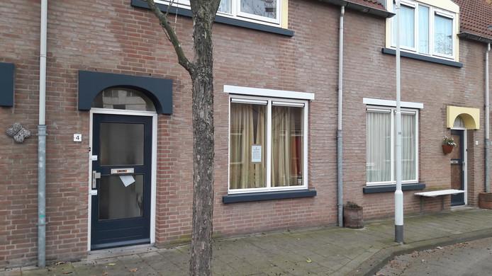 Gesloten drugspand Dijkstraat 4 in de Terneuzense binnenstad.
