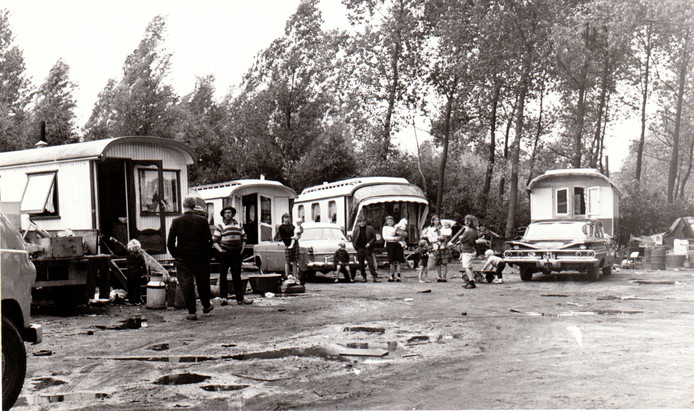 Woonwagens in Oirschot (26 augustus 1969).