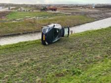 Automobilist in Zeewolde heeft engel op schouder: centimeters voor water tot stilstand
