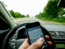 Politie jaagt deze week in Flevoland op gebruik mobieltjes in verkeer