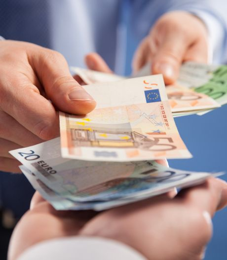 Al dat thuiswerken loopt flink in de papieren: wie gaat dat betalen?