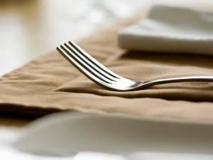 L'horreur à Paris : il se suicide à coups... de fourchette