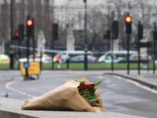 Londen herdenkt slachtoffers met wake bij kaarslicht