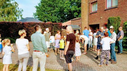 IJskar en feestcheque op Dag van de Buren