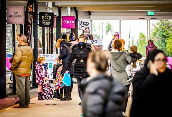 Winkelcentrum Westpolder in Papendrecht.