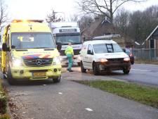 Gewonde bij ongeluk met drie auto's bij Hoge Hexel, weg naar Daarle weer open