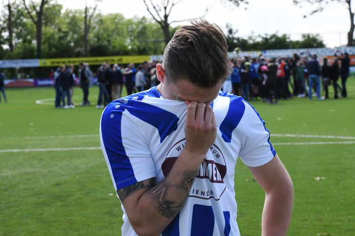 FC Lienden-speler Marlon Versteeg baalt na de degradatie.