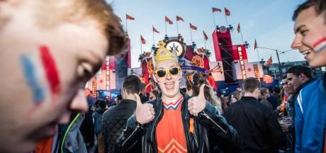 Droog en druk op Koningsnacht in Arnhem