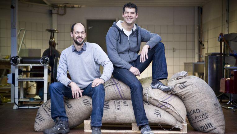 Cholocatemakers Rodney Nikkels (links) en Enver Loke. Beeld David de Jong