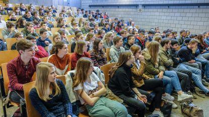Honderden scholieren bezetten Kulak: Junior Colleges slaan brug tussen middelbaar onderwijs en universiteit