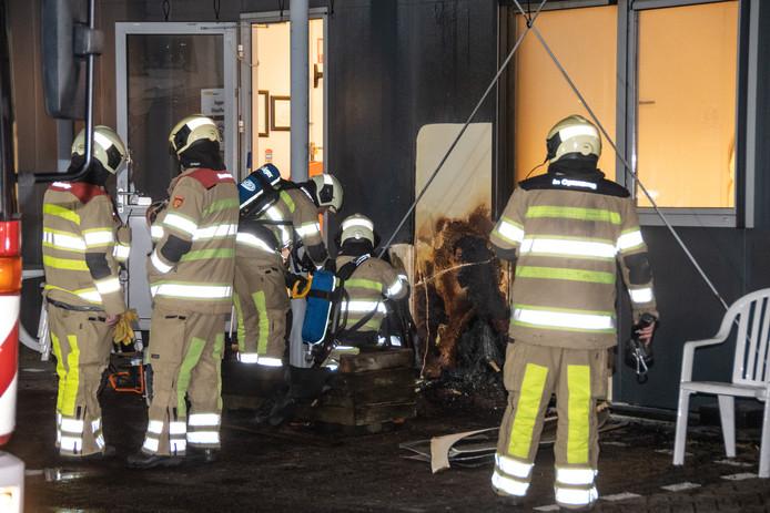 Brand bij Pouw Vervoer aan de Botnische Golf in Woerden.