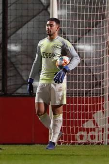 Talentvolle doelman El Maach overtuigt bij Ajax: 'Helmond voelt als mijn vertrouwde plekkie'