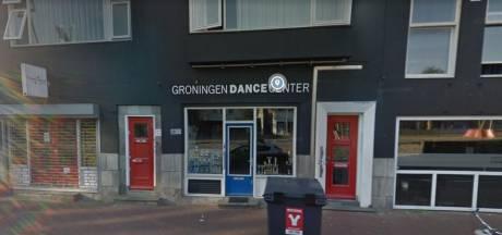 Van misbruik verdachte eigenaar dansschool is broer van agent met coke