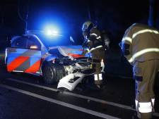 Politiewagen crasht op Duitse auto na achtervolging bij Oeffelt