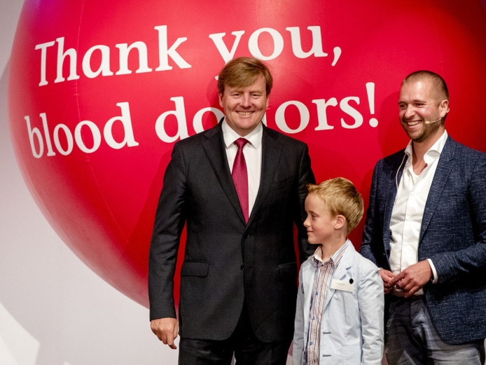 Koning Willem-Alexander 'opende' de nationale bloeddonordag