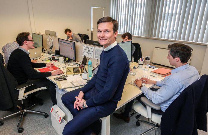 Davy Demunyck, zaakvoerder van projectontwikkelaar ION uit Waregem, spoort zijn werknemers aan om te sporten en om op hun gezondheid te letten.