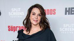 "'Sopranos'-actrice Annabella Sciorra getuigt in zaak Weinstein: ""Hij ging bovenop me zitten en verkrachtte me"""