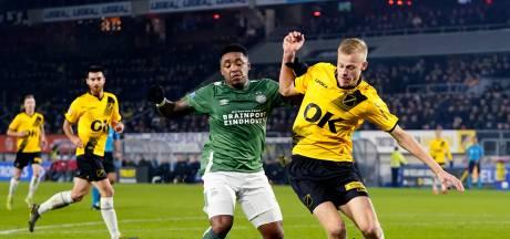 Van Hecke en Azzagari kegelen PSV met NAC uit de beker