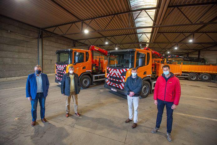 De gemeente beschikt over twee nieuwe CNG-trucks die twee oude dieselvrachtwagens zullen vervangen.