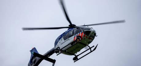 Politie spoort met behulp van helikopter en marechaussee twee illegale motorcrossers op