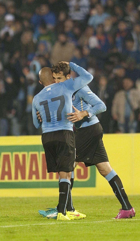 Christian Stuani (rechts) tekende voor de enige treffer voor Uruguay.