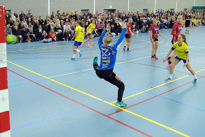 Beeld uit bekerwedstrijd tussen HV Dongen en Dalfsen. Foto Joris Knapen / Pix4Profs