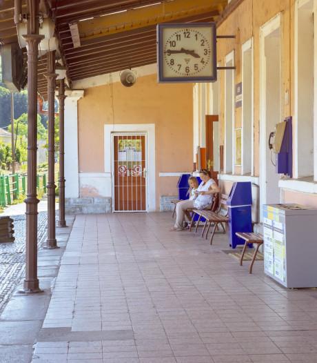 Skip Praag en pak de trein naar omliggende dorpen en steden