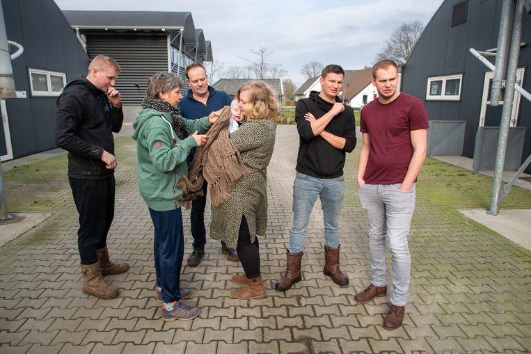 De familie Noordman runt een varkensbedrijf in Lemelerveld. Beeld Herman Engbers