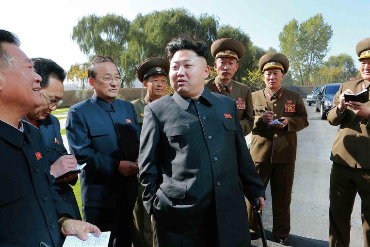 Kim Jong-un is weer met stok in het openbaar gesignaleerd. Beeld reuters