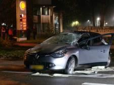 Auto slaat over de kop bij ongeluk in Gouda