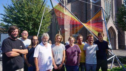 Opvallend kunstwerk knap voorsmaakje  van muziekfestival Leffingeleuren