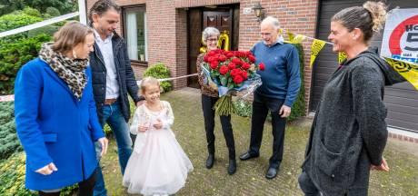 Een gouden huwelijk vieren in coronatijd? Deze Udense familie bewees dat het kan, als je maar creatief bent