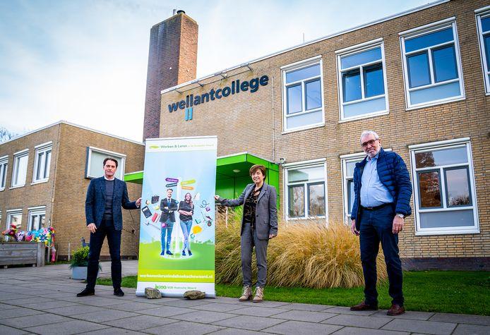 Van links naar rechts: Paul Boogaard (wethouder Economie), Yvonne Ouwens (regiodirecteur Wellant College) en Marco Struik (Ondernemersvereniging Hoeksche Waard)