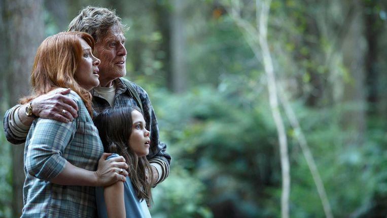 Vader Meacham (Robert Redford) gaat op zoek naar Elliot Beeld -