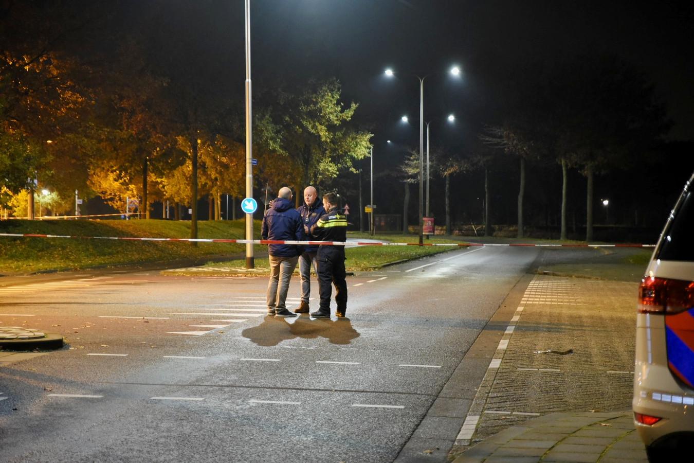 Overleg door de politie na de plofkraak.