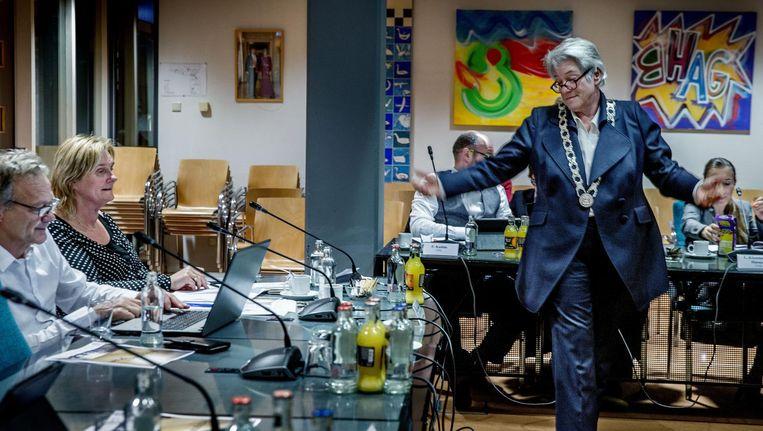 Anne Lize van der Stoel sprak tijdens haar eerste vergadering lang over goede omgangsvormen Beeld Jean-Pierre Jans