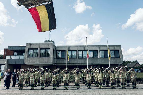 Een minuut stilte in het brandweerkorps van Heusden-Zolder.