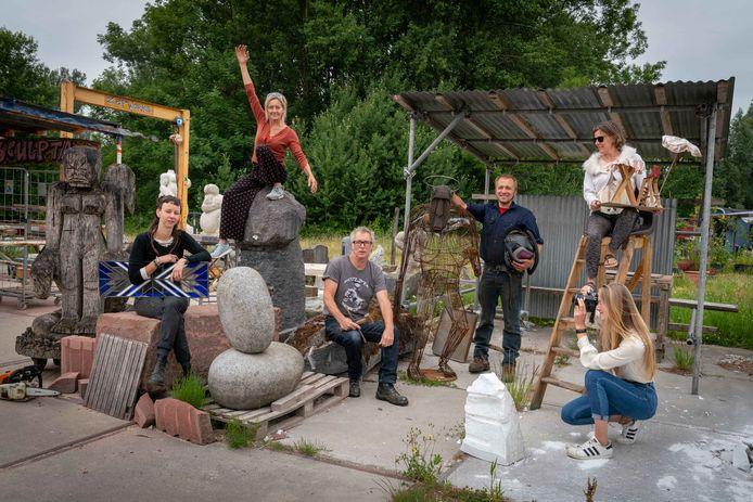 De kunstenaarskolonie KW37 verblijft nu nog aan het Marsdiep in Presikhaaf.