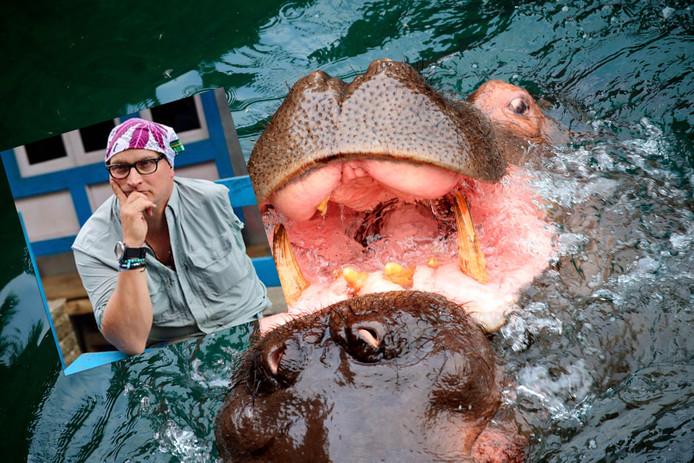 """L'homme explique que l'haleine putride de l'hippopotame sentait les """"œufs pourris"""" et que sa gorge et sa bouche étaient """"chaudes et gluantes""""."""