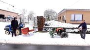 Jean-Pol en Marc ruimen sneeuw met eigen materiaal