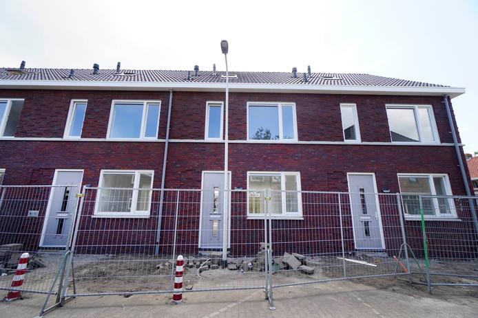 Lantaarnpaal pal voor de deur aan de Oude Nonnendaalseweg in Nijmegen.