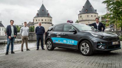 Vlaamse Taxi Centrale stunt met eerste elektrische taxi in regio Kortrijk