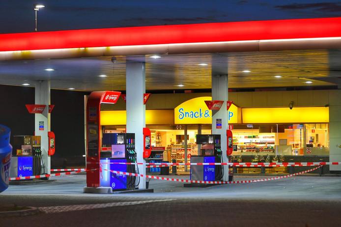 Het tankstation Oeienbosch werd tijdelijk afgezet.