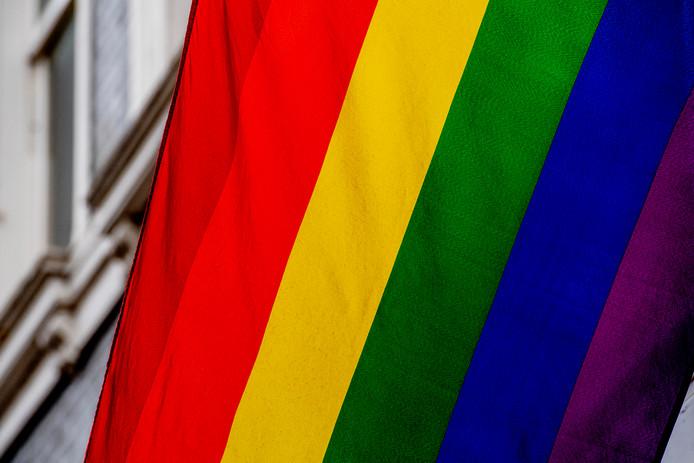 Als protest tegen de Nashville-verklaring hesen veel gemeenten, waaronder Gorinchem, de regenboogvlag als teken van tolerantie.