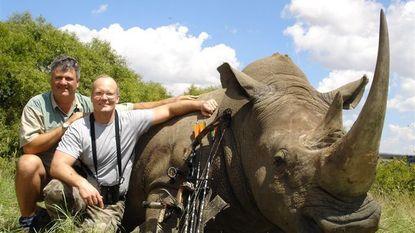 Jager die leeuw Cecil doodde blijkt Amerikaanse tandarts
