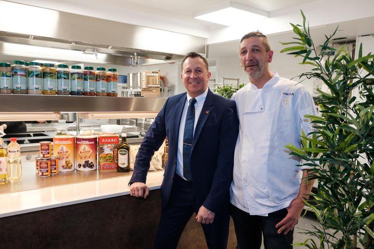 Opening van de nieuwe keuken in Studio 6 van AED Studios met manager Philippe Dubois en chefkok Ilias De Ridder.