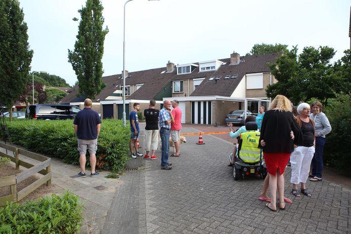 aan de Potsmaat in Doesburg zijn mensen uit hun huis gehaald vanwege een gaslek.
