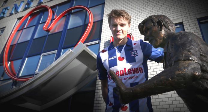 Martin Odegaard op de foto met Abe.