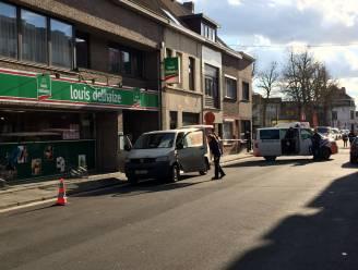 Pakjesbezorger neergestoken na aanrijding in Gent: fietser nog steeds spoorloos